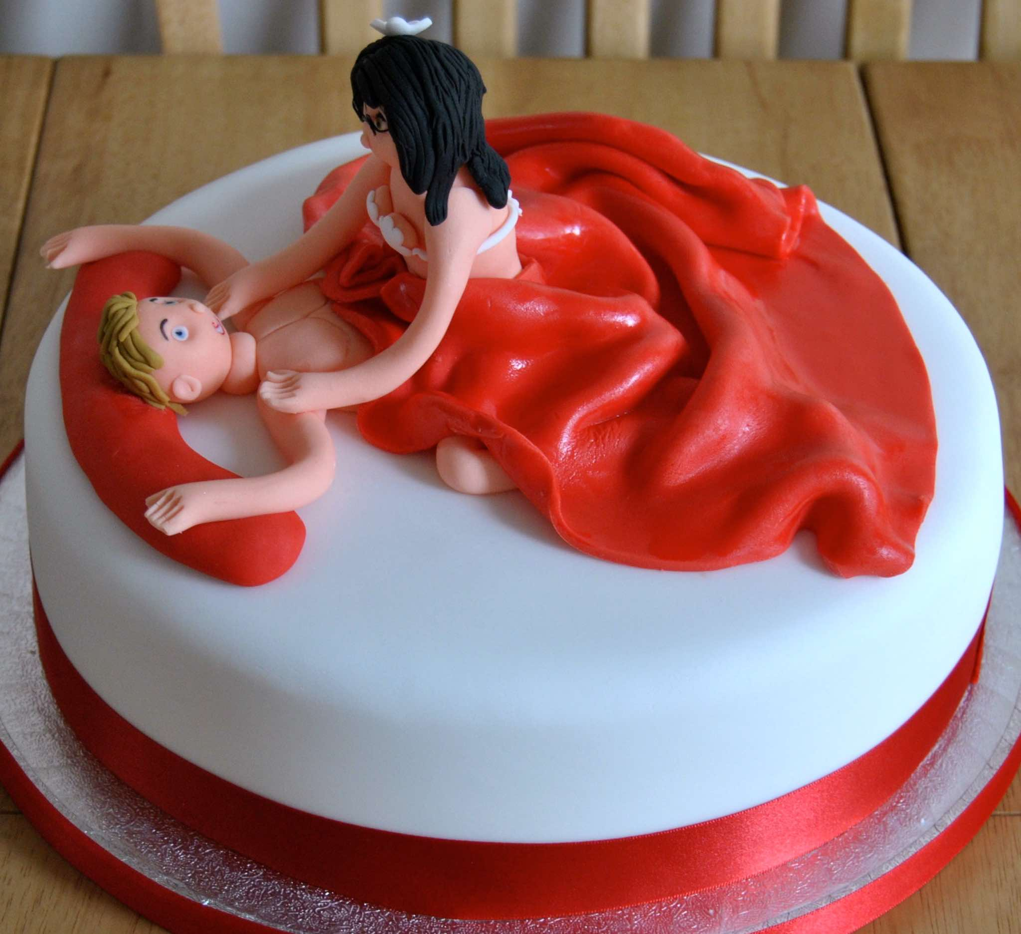 Making erotic cakes